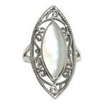 4082 - Silverring Keltisk med färgad sten